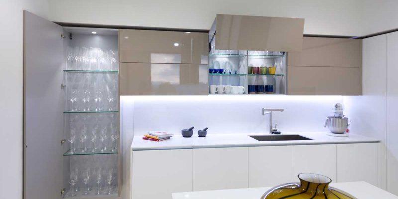 Cocinas Modernas - de Alta Gama - Iluminacion - Milestone